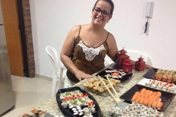 Mulheres podem preparar Sushi e Sashimi? Claro que sim!